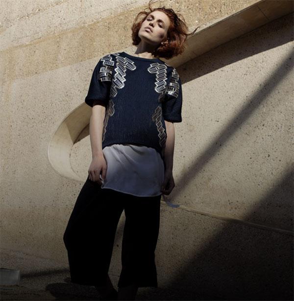 "0e582b7bc8db6 Pauline van Dongen, ""Wearable Solar Dress"" ve ""Solar Shirt"", 2014, kaynak:  paulinevandongen.nl"